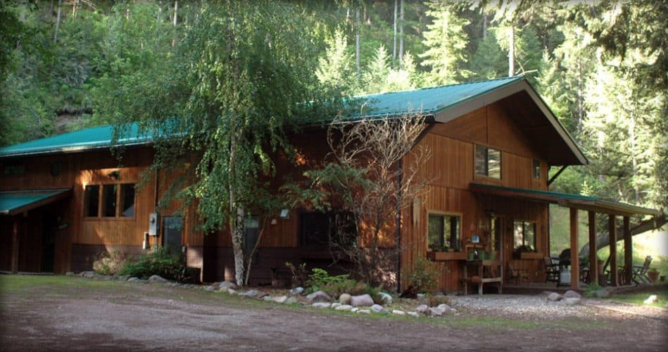 Montana Fly Fishing with Montana Trout Outfitters - Fly Fishing Lodging